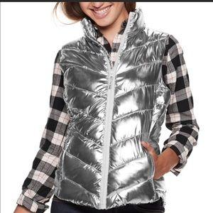 NWT Jr. XL silver chevron puffer vest